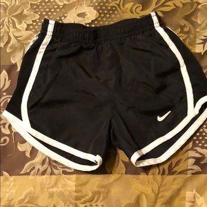 Nike shorts size 4